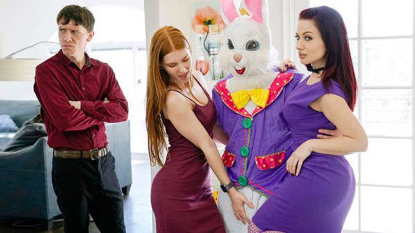 Jessica Ryan and Jane Rogers fuck the easter bunny